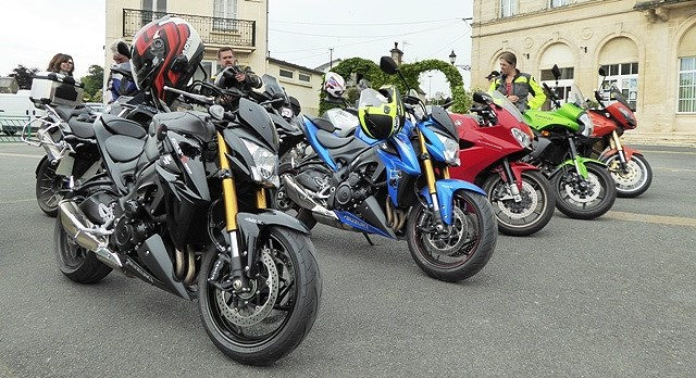 GSXS 1000's take front row at coffee stop