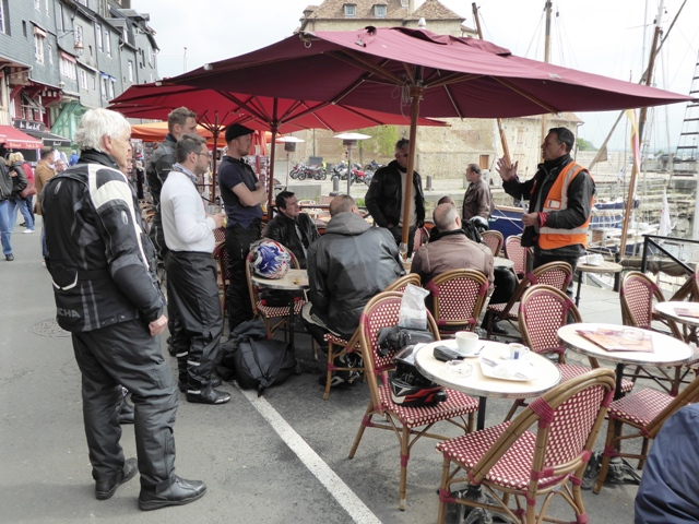 A briefing at Honfleur
