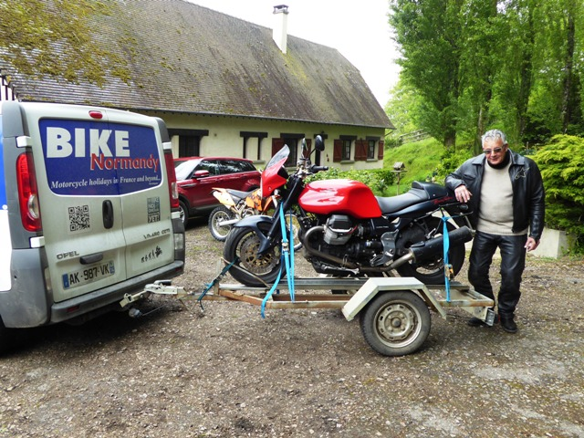 Fred's Moto Guzzi goes home on the trailer!